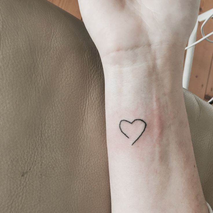 Loveheart Handpoke tattoo