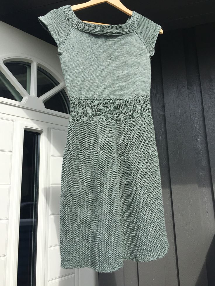 Kjole strikket i Line fra Sandnes garn