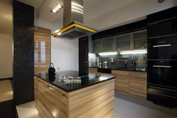 Островная кухня для мужчины черного цвета