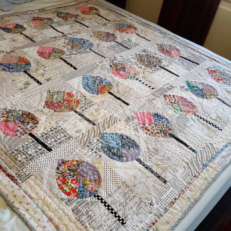My favourite quilt using #libertyfabric is my #avenuequilt designed by Louise Papas. The fabric really sparkles against the low volume background. @the_strawberry_thief #thestrawberrythiefgiveaway.