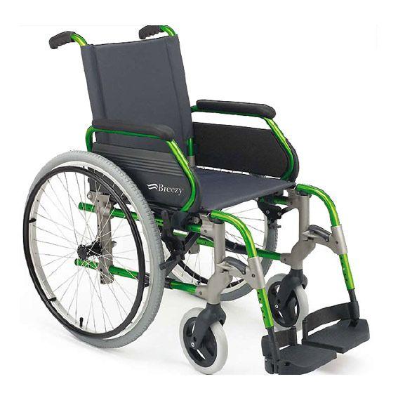 Silla de ruedas Breezy 305. Es una silla de ruedas cuya principal ventaja es el precio. Disponible en talla de 40-43-46-49-51 cm para personas de cualquier peso . La silla de ruedas Breezy pueden ser de rueda trasera autopropulsable o pequeña. Esta última se recomienda tan solo para su uso mayoritario en interior. Mas información en: http://www.sci-geriatria.com/catalogo/sillas-ruedas/plegables/aluminio/breezy-305/