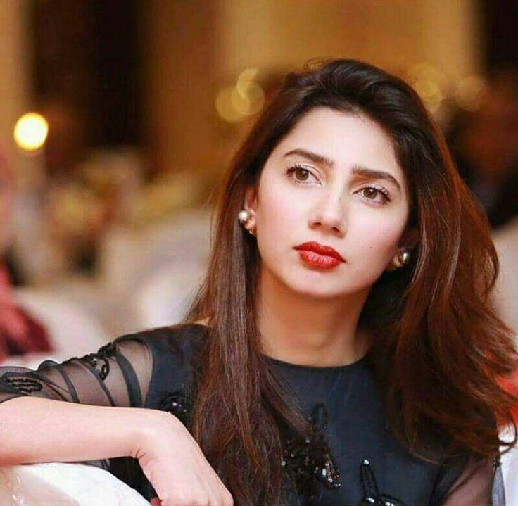 Gorgeous Mahira