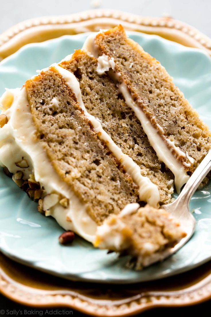 Want to serve the most impressive homemade dessert? This banana cake with brown butter cream cheese frosting is loved by all!