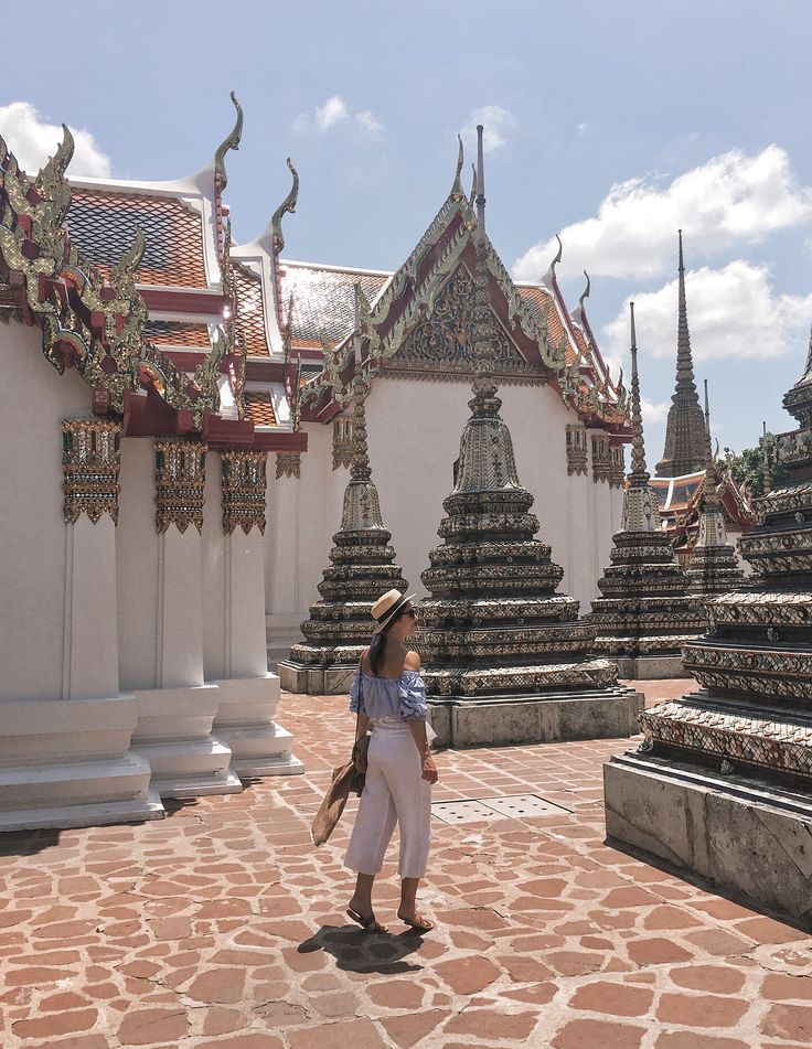 Wat Pho, Bangkok, Thailand, Travel Outfit, OOTD, off shoulder, strawhat