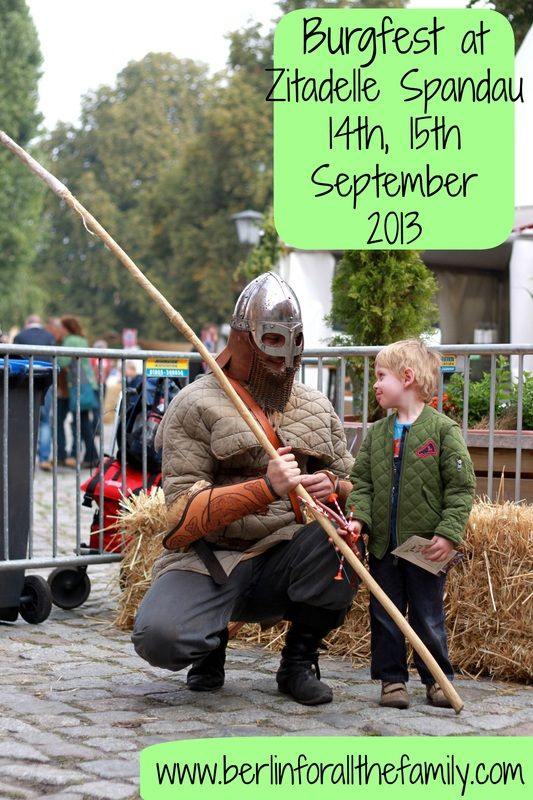 Castle Festival at Zitadelle Spandau was a fabulous festival for all the family with knights, sword fighting, traditional stands and more