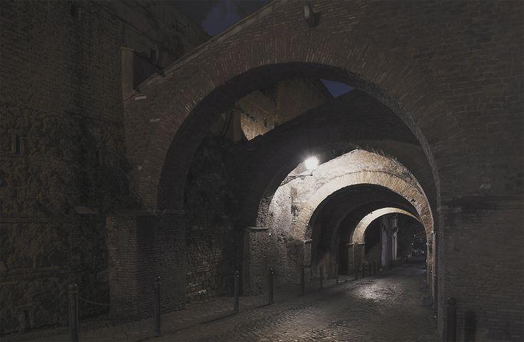 Roma di notte, silenziosa e insolita - Il Post