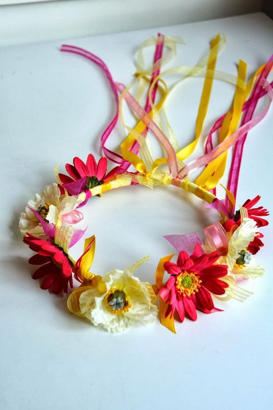 Aesthetic Nest: Craft: Ribbon and Flower Crowns (Tutorial). could become fairy crowns...
