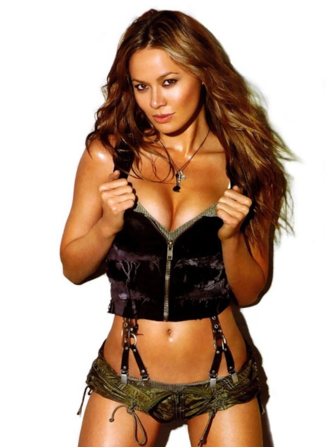 Wallpaper Falling Skies Pin By Don Arnold On Sexiest Actresses Moon Bloodgood