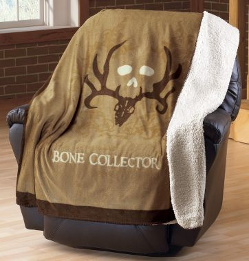 Cabela's: Bone Collector™ Throw