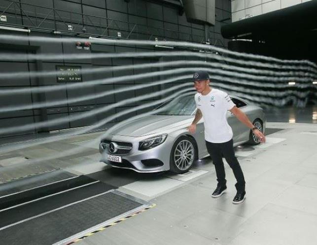 Lewis Hamilton: Mercedes-Benz S-Class Coupe (© Daimler)
