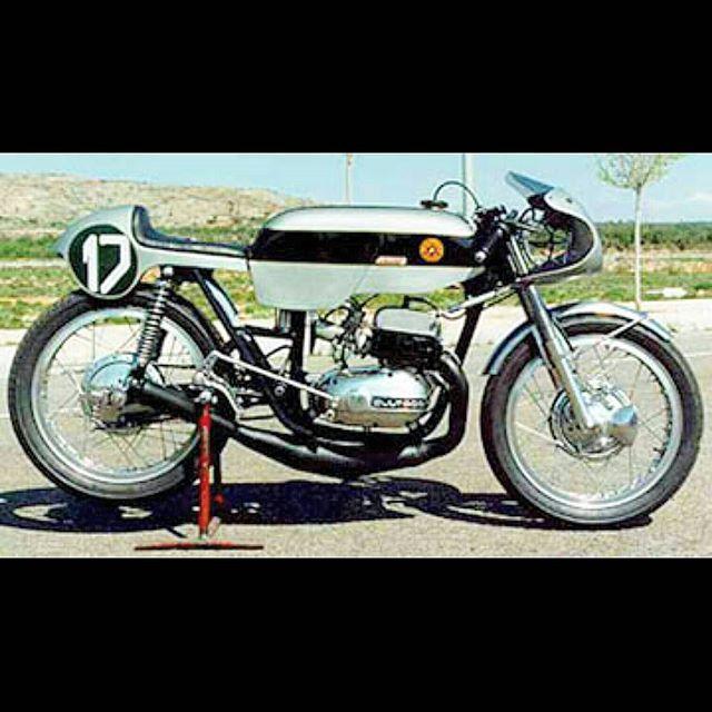 9 best moto bultaco images on pinterest vintage motorcycles biking and antique bicycles. Black Bedroom Furniture Sets. Home Design Ideas