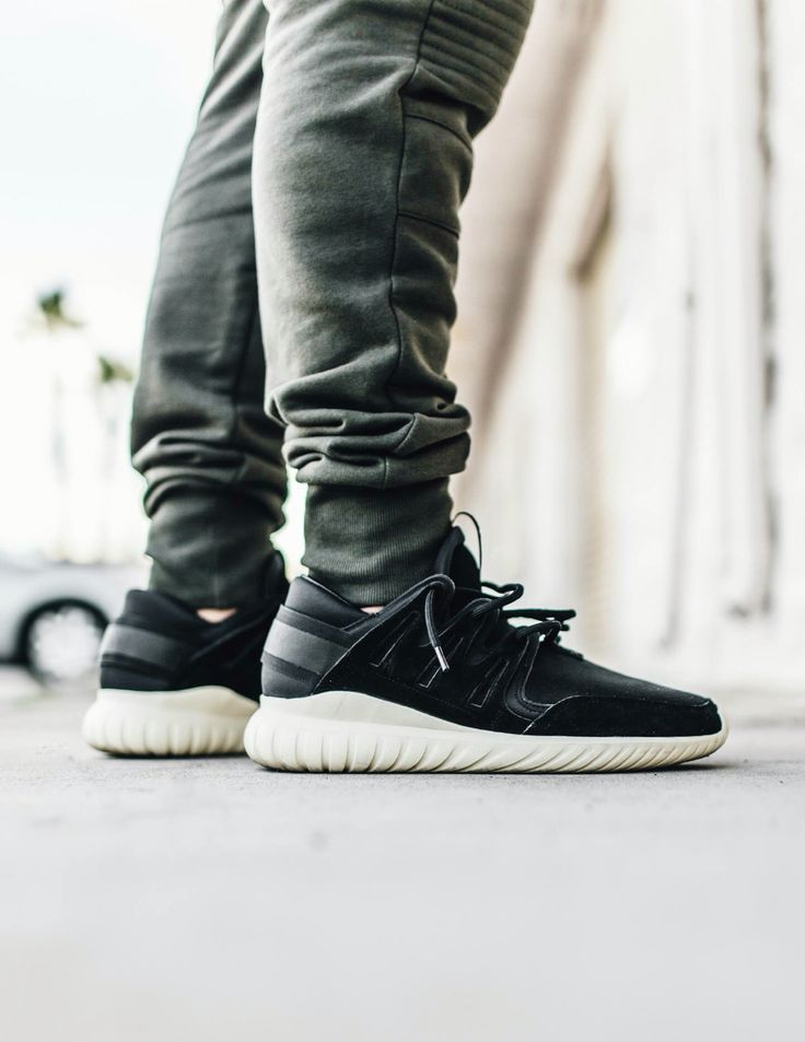 Adidas Tubular Runner Men 's Shoes Core Black / WhIte