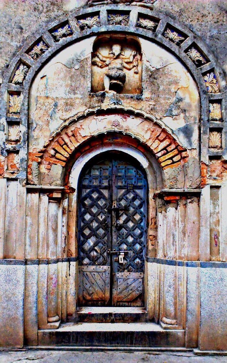 Khajuraho, Madhya Pradesh, India door