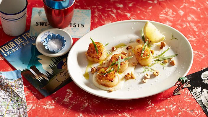If you're looking for sophistication, look no further than Gabriel Gaté's pan-fried scallops with cauliflower. #TasteLeTour