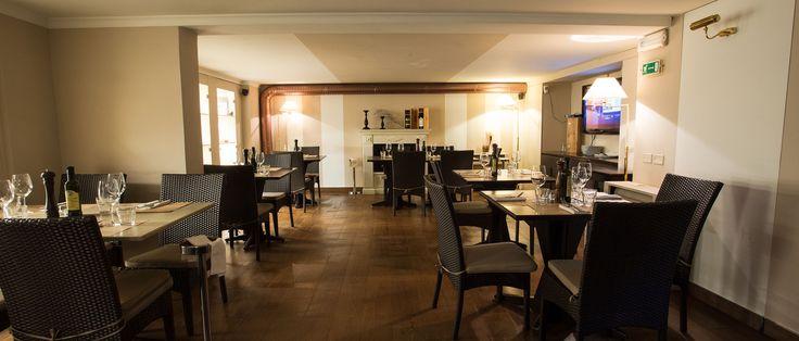 Sala al piano inferiore #interni #salone #tavoli #ristorante #montecatini #resourant #ristorante #fishinglab #fish #entrata #bancone #arredamento #design