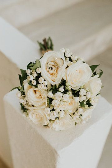 White rose bouquet by Gourioti Flowers - Photo from TOMISLAV & ANITA collection by Kalampokas fotografia