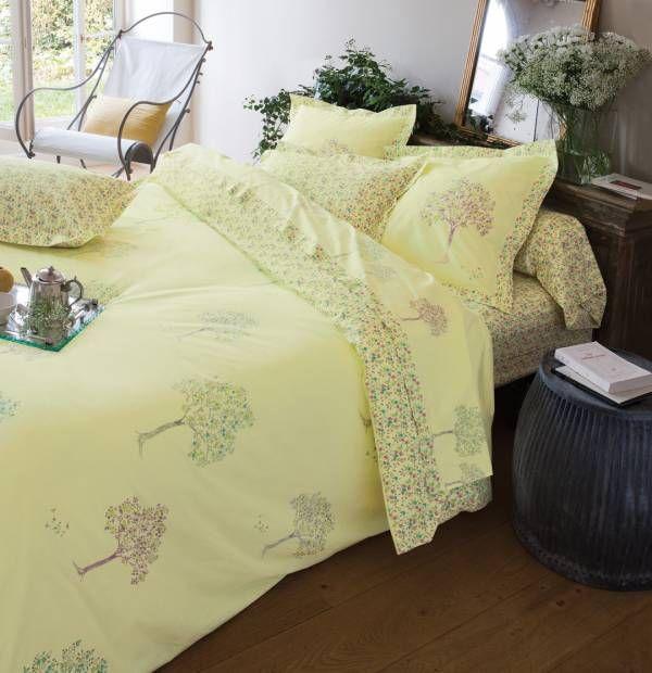 Les 14 meilleures images du tableau chambre fleurie sur pinterest consolateur linge de lit et - Housse de couette francoise saget ...