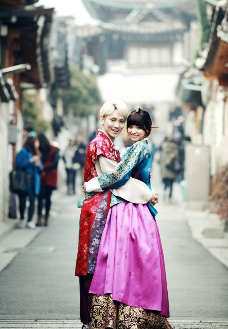 shinee key dating model They're dating a foreigner (shinee)onew: he seems like someone who would rather date a traditional korean girl but if the connection was strong between the two of you he wouldn't mind and make the.