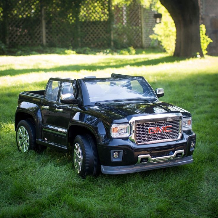 Rollplay 12 Volt GMC Sierra Denali Battery Powered Ride-On Vehicle