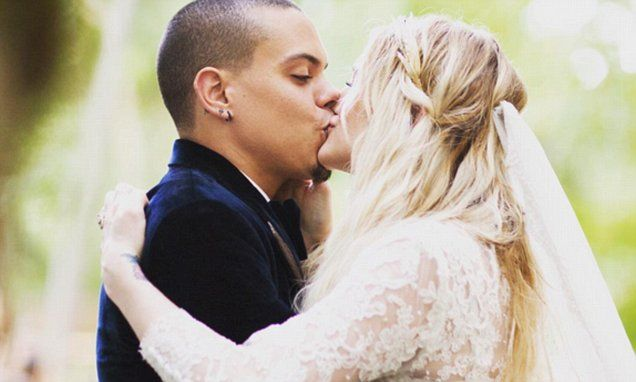 Evan Ross and Ashlee Simpson finally share wedding photos
