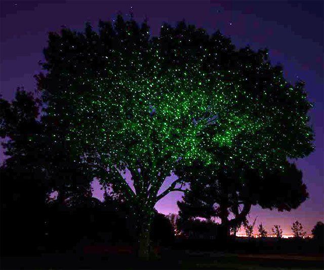 Ilumina árboles y palmeras con un laser 3d!  Fancy - The Illuminator Laser Light by Sparkle Magic