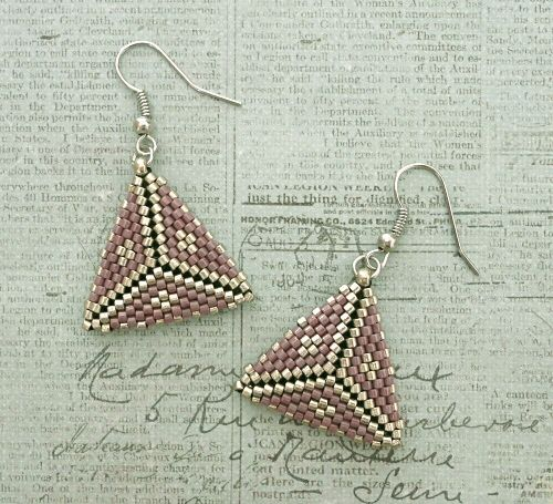 Linda's Crafty Inspirations: Peyote Triangle Earrings - Mulberry & Pewter