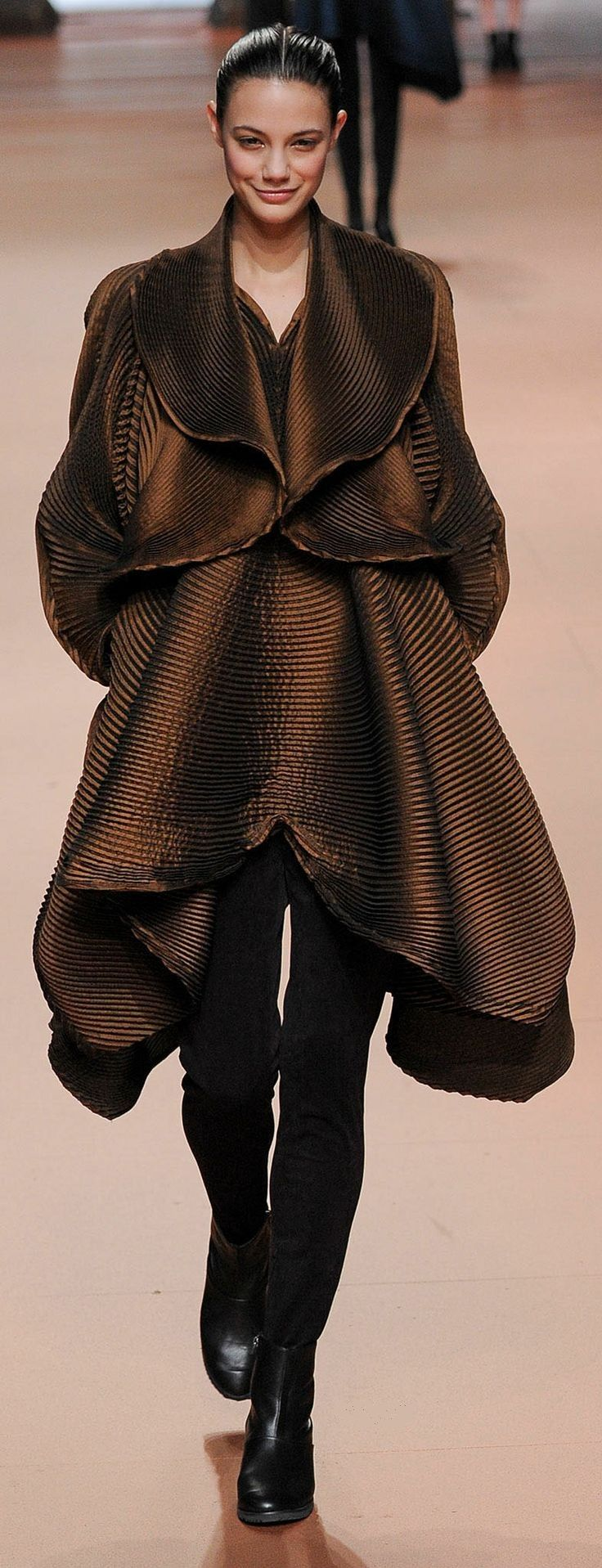Fall 2014 Ready-to-Wear Issey Miyake
