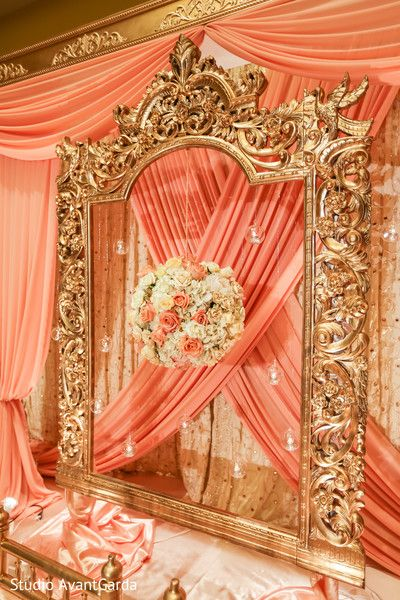 Amazing hanging floral arrangement http://www.maharaniweddings.com/gallery/photo/93176 @sonalshahevents @ElegantAffairs1