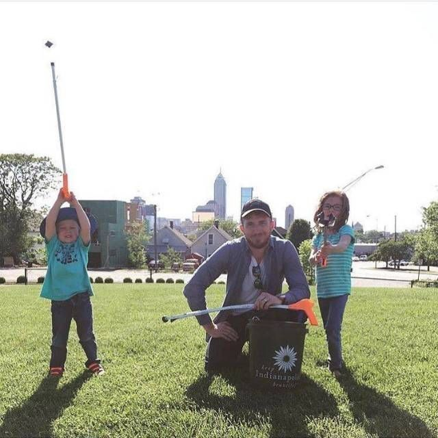 Volunteer Opportunities for Kids in the Indianapolis Area