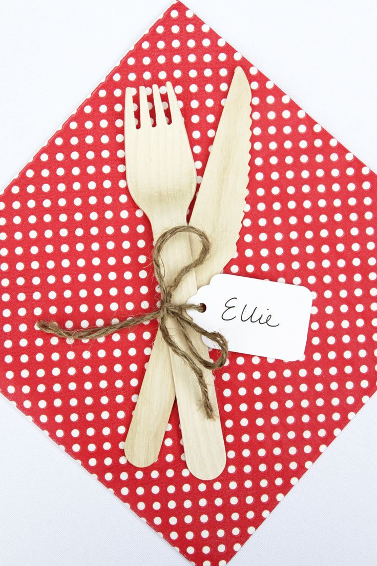 hiPP Polkadot reversible napkins, wooden cutlery and cute swing tags used as placecards for the Christmas table | The Paper Lantern |