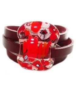 Handgemaakte donker rode leren armband met millefiori bloemen van rood glas!