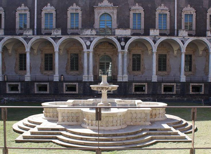 Qualche giorno fa abbiamo organizzato un breve weekend fuori porta a Catania 😍 Siete pronti per scoprire come partire per un weekend a basso costo? Scoprite come abbiamo fatto nel nostro ultimo articolo 😀👇  #splitmind #travel #lifestyle #Catania #Sicilia #weekend