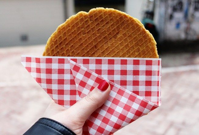 Have you tried Dutch food? Here's a list of 10 Dutch foods you should be sure to sample! Learn about famous Dutch foods like bitterballen & stroopwafels.