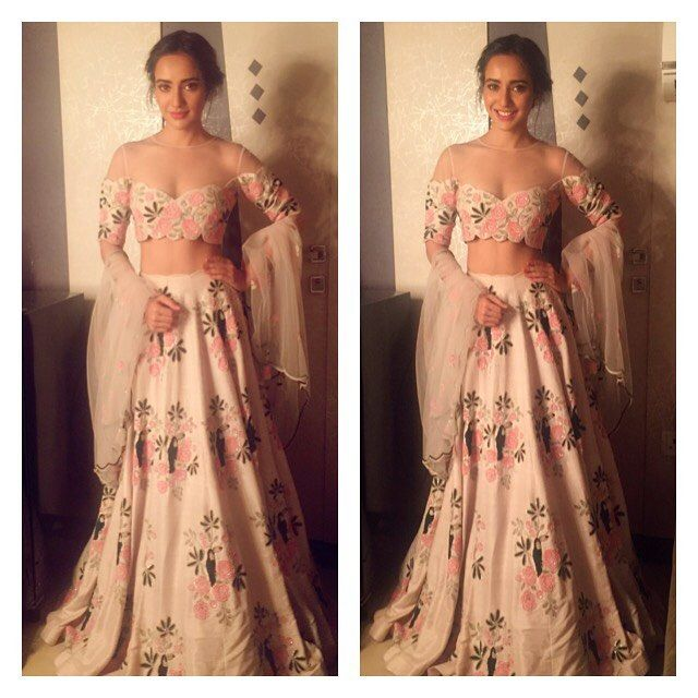 Thank u @payalsinghal for making me feel like princess in this..playing princess #dressup #fashion #thekapilsharmashow