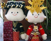 AAWW so cute <3... dolls in Batak Mandailing Wedding costume, from North Sumatra Province, Indonesia.