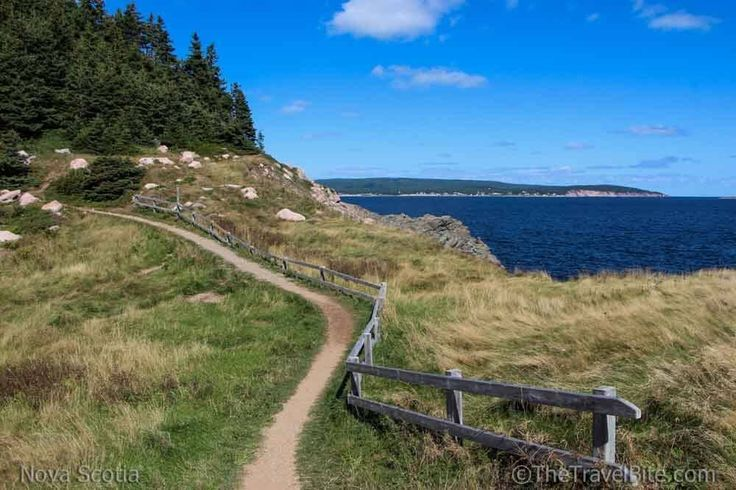 There are some great places to see in Nova Scotia for nature lovers, history buffs, adventurers, and foodies. Here