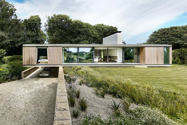 @designboom : in swanage ström architects has replaced an aging 1910s bungalow with a contemporary single-storey home https://t.co/K74rG1Keur