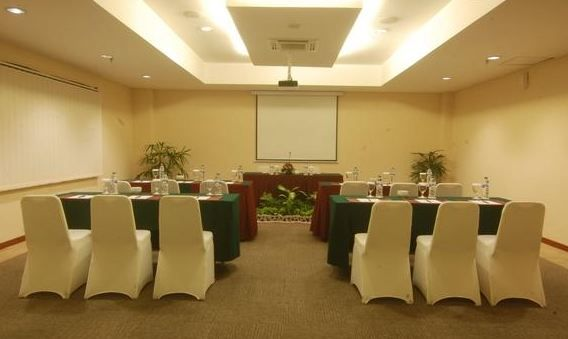 Hotel Arjuna meeting room provides a selection of packages according to customer needs , from a capacity of 10 to 200 person. More info: 0817 5460 488 / 0811 250 3070