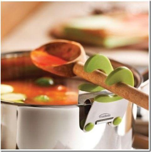 ¡Una pinza especial para tener tu cucharón siempre a mano cerca del guiso! :) #cocina #gadget