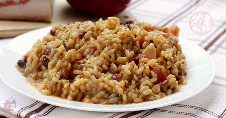 risotto al radicchio un primo piatto facile, veloce e gustosissimo con un ingrediente segreto in più che fa davvero la differenza.