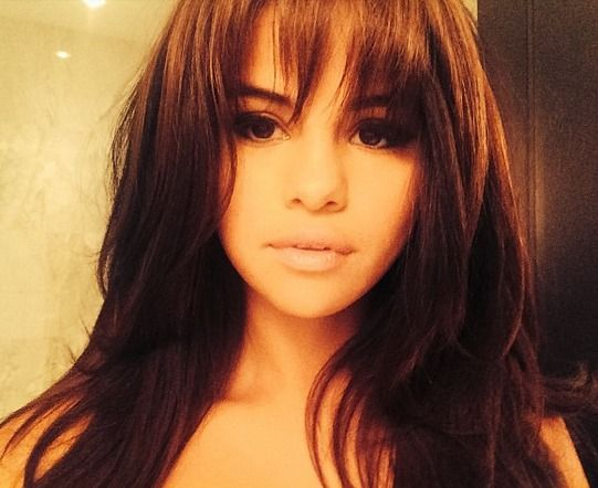 Selena Gomez Looks Much Better With Bangs and Is Making Us All Want Them