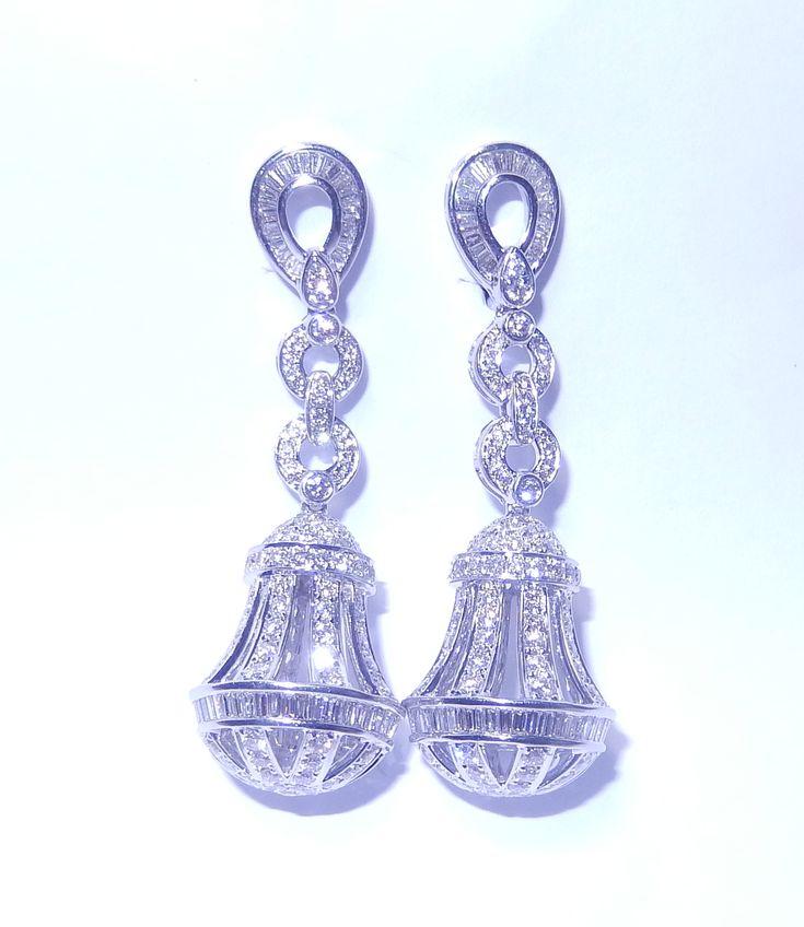 Diamant Ohrringe aus 750/18K Weißgold mit 5.62 Karat Diamanten  Diamantohrringe vom Juwelierhaus Abt in Dortmund  #diamantohrringe #diamanten #ohrringe #juwelier #abt #dortmund #weißgold #geschenk #weihnachten #geschenkidee
