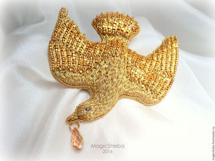 Купить Золотая брошь Птица счастья, вышивка золотом - золотой, золотая брошь, птица брошь