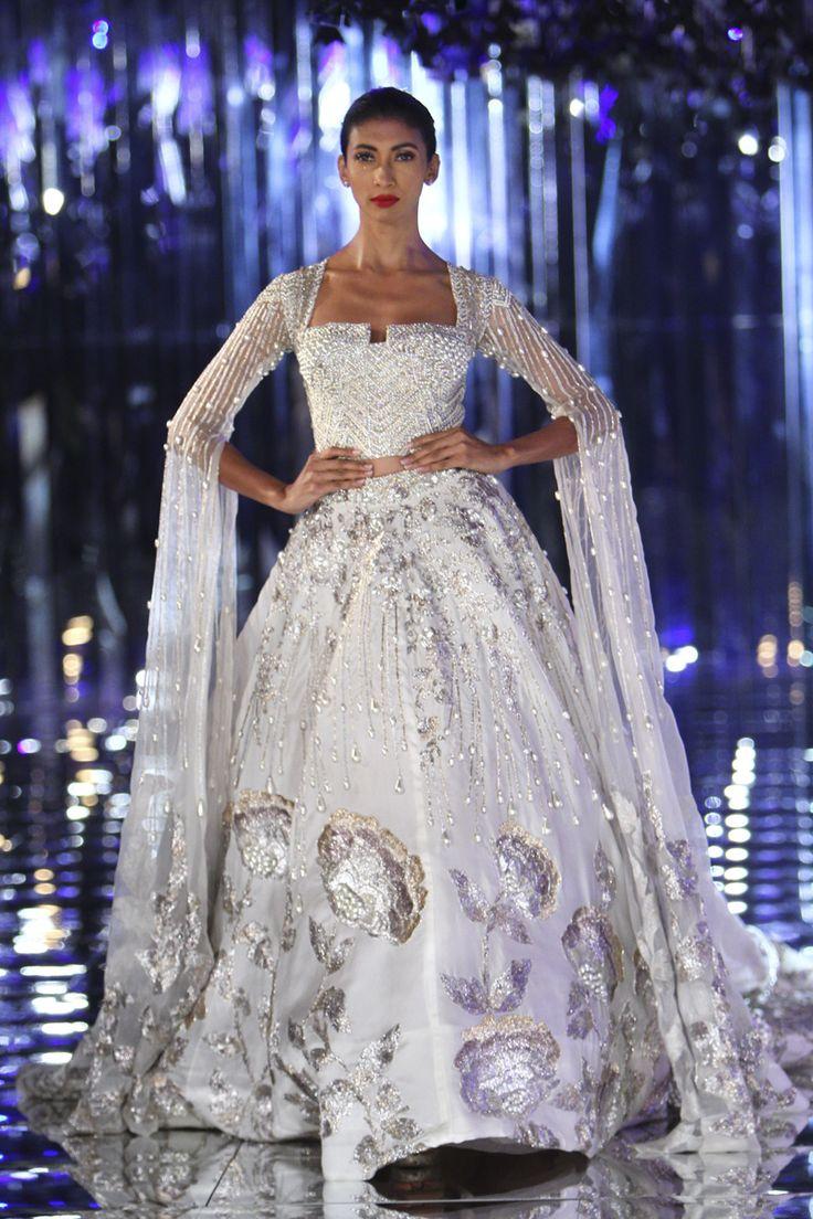 Manish Malhotra | India Couture Week 2017 #manishmalhotra #ICW2017 #indiancouture #PM