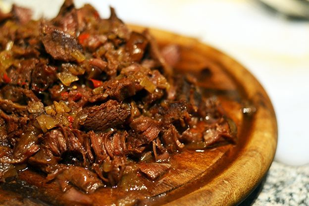 Als iemand mij zou kunnen vertellen hoe je draadjesvlees lekker op de foto zou kunnen zetten: shoot! Persoonlijk vind ik het bij dit gerecht namelijk onmogelijk om het net zo lekker op de foto te krij