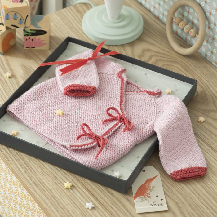 Modèle tricot gratuit: un kimono pour bébé -- knitting pattern baby kimono