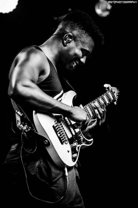 Tosin Abasi - Animals as Leaders...Thanks Adam for letting me in on this...amazing music....