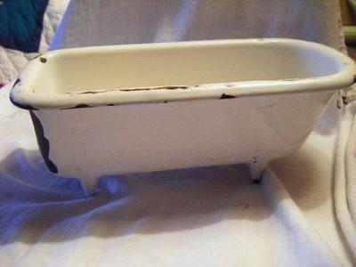 ANTIQUE CAST IRON PORCELAIN BATH TUB SALESMAN SAMPLE190 best   WASHING TO BATH   images on Pinterest   Soap dishes  . Antique Cast Iron Tub Value. Home Design Ideas
