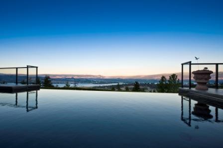 Sunset over pool kelowna kelowna kelownarealestate for Pool design kelowna