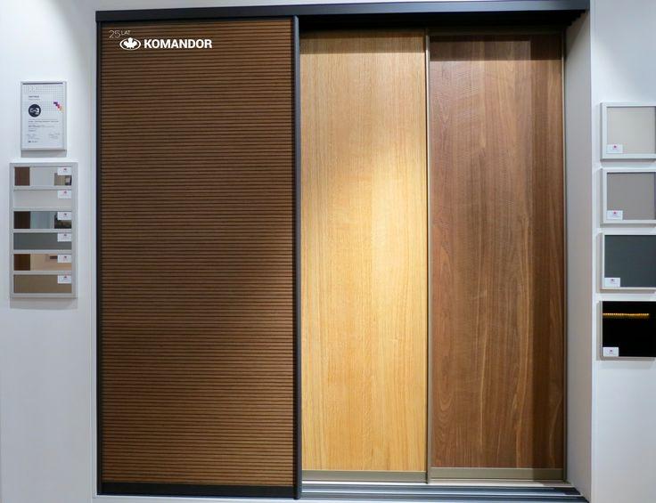 Wzory drzwi przesuwnych Komandor, 1. lamperia z fornirem Orzech Canaletto, 2. fornir Dąb Nordic 3D, 3. fornir Orzech Amerykański Skośny